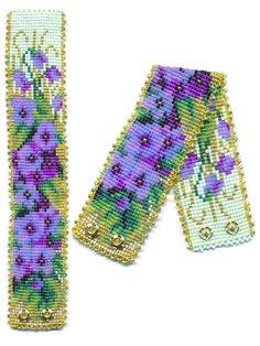 Violets Flower Beaded Bracelet with Purples, Greens and Blues