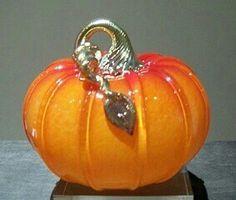 Pumpkin Ornament, Pumpkin Art, Pumpkin Carving, Mosaic Glass, Fused Glass, Glass Art, Fall Harvest Decorations, Sand Glass, Glass Floats