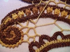 Picture #Tutorial on connecting elements of #Irish_Crochet.