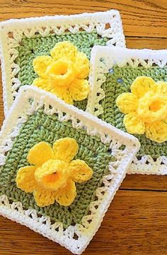 Crochet Granny Square [Free Pattern] Extraordinarily Beautiful Daffodils Square with Pop-up Petals Crochet Squares Afghan, Crochet Motifs, Crochet Blocks, Granny Square Crochet Pattern, Crochet Flower Patterns, Crochet Granny, Crochet Blanket Patterns, Crochet Designs, Crochet Flowers