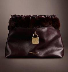 Borse Burberry autunno inverno 2013 2014 FOTO  #burberry #bag #bags #borse #autumnwinter #luxury #fashion #collection #borsa #purses