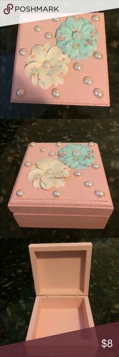 🆕Seashell Pink Jewely Box Made by me! Painted, clear coated & decorated. Pearls, blue/pink/white flowers with a seashell pink background. Jewelry