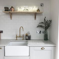 Create a chic grey kitchen using our Fairford Dove Grey cabinets. Add character to a modern kicthen with brass accents and neon lighting. Grey Kitchen Diner, Modern Shaker Kitchen, Shaker Style Kitchens, Kitchen Corner, New Kitchen, Home Kitchens, Kitchen Sink, Home Decor Kitchen, Kitchen Interior