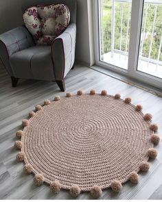 Round crochet carpet: 100 beautiful ideas and simple instructions (VIDEOS) Diy Crafts For Home Decor, Diy Crafts Hacks, Handmade Home Decor, Diy Crafts To Sell, Diy Room Decor, Crochet Carpet, Crochet Home, Crochet Diy, Diy Para A Casa