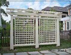 This freestanding trellis/pergola looks great while effectively screening the ba. - This freestanding trellis/pergola looks great while effectively screening the back yard from the vi - Outdoor Privacy, Backyard Privacy, Backyard Fences, Backyard Projects, Garden Projects, Fence Design, Garden Design, Fence Landscaping, Luxury Landscaping