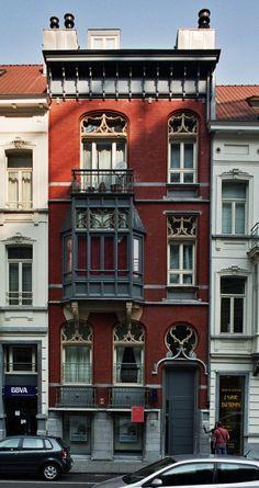 Residence Architecture, Facade Architecture, Beautiful Architecture, Beautiful Buildings, Beautiful Homes, Building Exterior, Brick Building, Building A House, Art Nouveau Arquitectura