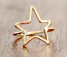 Star Ring - You deserve a gold star. Available in gold or silver. -- Need this in silver! Cute Jewelry, Jewelry Rings, Jewelry Box, Jewelry Accessories, Fashion Accessories, Women Jewelry, Jewellery, Gold Jewelry, Star Jewelry