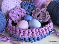 crochet hearts and Little basket in lavender Colors of Hoooked Zpagetti Crochet Hearts, Lavender Color, Coin, Merino Wool Blanket, Basket, Colors, Lavender Colour, Colour, Color