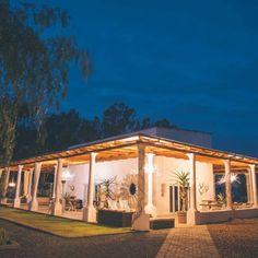 A quiet night on the quaint Karoo farm, Sweetfontein. Farm Life, Farm House, Farmhouse Architecture, Desert Homes, Lodges, Wilderness, South Africa, African, Inspire