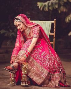 Indian Bride Dress Test- Make Sure your Wedding Lehenga is Super Comfortable before you Buy it ! Indian Bride Poses, Indian Bride Dresses, Indian Wedding Poses, Indian Bridal Photos, Indian Wedding Couple Photography, Indian Bridal Fashion, Indian Wedding Outfits, Bridal Outfits, Bridal Dresses