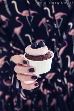 herbstliche Trauben-Schokoladen-Cupcakes mit Rotwein Sirup Berry, Cake Cookies, Muffins, Tasty, Desserts, Sweet Dreams, Food, Bon Appetit, Cacao Powder