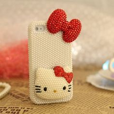 Decorate your iphone 4 or iphone 4s with this Pearl Bling 3D Hello Kitty case, make your iphone more up-market and beautiful with this trendy design. Perfect gift for this Christmas!