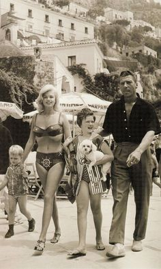 Jayne Mansfield and family.  A George Vreeland Hill post.