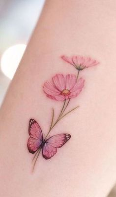 Monarch Butterfly Tattoo, Butterfly With Flowers Tattoo, Pretty Flower Tattoos, Butterfly Wrist Tattoo, Butterfly Tattoo Designs, Small Flower Tattoos For Women, Colour Tattoo For Women, Black Girls With Tattoos, Butterfly Tattoos For Women