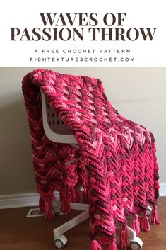 A luxurious throw with lots of texture! Made with a super bulky weight yarn. #crochet #blanket #freecrochetpattern