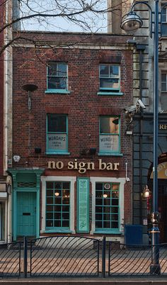 No Sign Bar, Wind Street, Swansea, South Wales, UK - by Delta Whisky - The Old Folkie, via Flickr