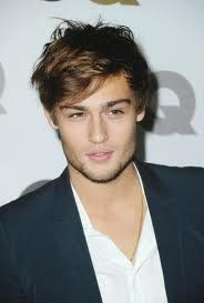 So cute!  Plays Romeo in the up-coming Romeo and Juliet. I want to see it!