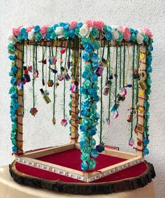 Wedding gifts packaging - 28 creative wedding little detail decorating ideas 00001 Ganpati Decoration Design, Mandir Decoration, Thali Decoration Ideas, Ganapati Decoration, Basket Decoration, Wedding Gift Baskets, Wedding Gift Wrapping, Wedding Gifts, Trendy Wedding