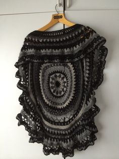 Poncho by Anni Sainio, inspiration from Oma Koppa