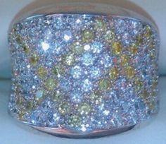PalmieroJewelleryDesign Кольцо выполнено из Белого золота 750 пробы.  Бриллианты высокого качества с сочетанием белых и жёлтых камней общей каратность: 3.72ct Весом: 16.5г. Цвет: F или 3. Частота: VS или 4. Размер: 16.5 (размер можно изменить) Комплект: Коробка Документы Чек в наличии Состояние 10 из 10 Цена в магазинах на сегодняшний день составляет около 25000 €  Реальному покупателю готов уступить только при встрече у специалистов по камням!!! http://olx.ua/obyavlenie/palmierojewel