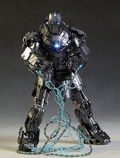 Iron Man Whiplash Mark II action figure by Hot Toys Iron Man Suit, Iron Man Armor, War Machine Iron Man, Hot Toys Iron Man, Man 2, Dragon Armor, Military Action Figures, Marvel Villains, Batman Universe