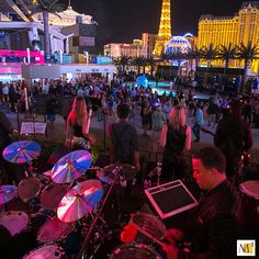 Events allow for an opportunity to turn your brand into an experience. The live music was a hit addition to the Durkan HD Expo Party in Las Vegas. You Had To Be There™.  #MC2 #brand #experience #showcase #innovation #brandexperience #brandexhibit #displaydesign #eventmarketing #eventprofs #tradeshowexhibit #Durkan #LasVegas #Vegas #vegasparty #livemusic #nightlife #VegasStrip
