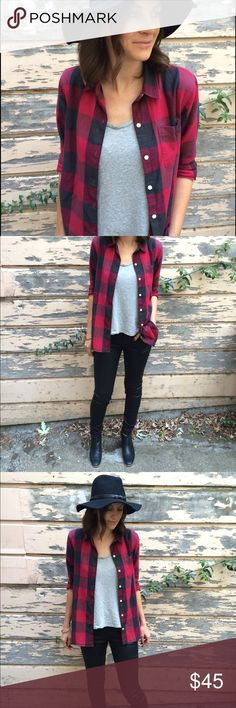Buffalo Plaid Gap Button Up Only worn twice!! Perfect fit and perfect print. Classic and perfect for fall. Note this is super soft and on the lighter weight side. GAP Tops Button Down Shirts