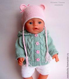 Купить или заказать курточка 'Мятные косички'  одежда для куклы Baby Born в интернет-магазине на Ярмарке Мастеров. РЕЗЕРВ! Малышке Baby Born непременно понравится новая курточка модного мятного цвета! Курточка с капюшоном украшена узором косички и пуговичками - цветочками. В такой одежде ваша малышка Baby born будет не только выглядеть модно и нарядно, но так же ей будет тепло и комфортно. Одежда предназначена для куклы Baby Born высотой 43 см. Порадуйте малышку замечательным подарком!