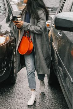Party look fashion jeans 65 Ideas Mode Outfits, Fashion Outfits, Womens Fashion, Jeans Fashion, Ladies Fashion, Coat Outfit, Hijab Outfit, Look Street Style, Winter Mode