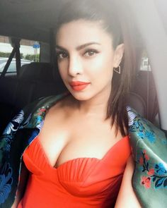 Baywatch Diaries: Priyanka Chopra oozes oomph in her latest picture from the promotions