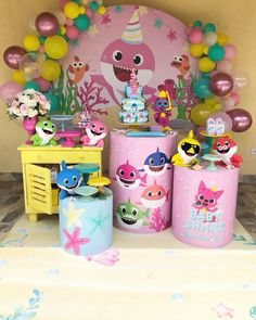 Lindíssima festa no tema Baby Shark Menina! 2nd Birthday Party For Girl, Shark Party Decorations, Bubble Guppies Party, Happy Birthday Minions, Baby Shark, Minion Pumpkin, Minion Banana, Minion Costumes, Minion Wallpaper