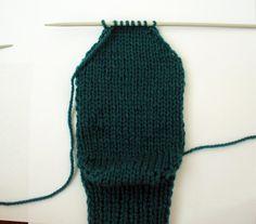 ponožky na 2 jehlicích Crochet Top, Fashion, Moda, Fashion Styles, Fasion