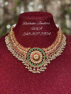 Jewelry Design Earrings, Necklace Designs, Gold Jewellery, Jewelery, Antique Jewellery Designs, Indian Jewelry Sets, Jewelry Model, Simple Necklace, Gold Necklace