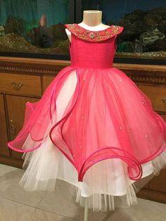 Gowns For Girls, Frocks For Girls, Little Girl Dresses, Girls Dresses, Baby Girl Dress Patterns, Baby Dress, The Dress, Kids Dress Wear, Kids Gown