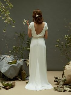 Wedding Dresses grace to mind blowing dress designs. Inexpensive to gorgeous hel… Wedding Dresses grace to mind blowing dress designs. Inexpensive to gorgeous help. simple elegant wedding dress romantic reference 5164201559 created on this date 20190527 Simple Elegant Wedding Dress, Vintage Style Wedding Dresses, Western Wedding Dresses, Top Wedding Dresses, Wedding Dress Trends, Bridal Dresses, Simple Short Sleeve Wedding Dress, Wedding Dress Casual, Wedding Blog
