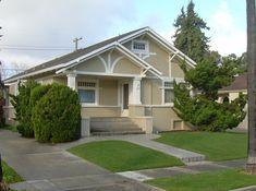 File:American craftsman bungalow in San Jose, Ca. Craftsman Bungalow House Plans, Craftsman Style Interiors, Craftsman Porch, Modern Craftsman, Craftsman Bungalows, Craftsman Homes, Craftsman Exterior Colors, California Bungalow, American Craftsman