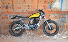 1998 Yamaha by Mario Patricio of 85 Art Motorcycles. Yamaha 250, Yamaha Bikes, Inazuma Cafe Racer, Sr500, Cafe Bike, Cafe Racer Build, Vintage Bikes, Retro Bikes, Scrambler Motorcycle