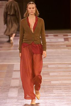 Dries Van Noten Spring 2002 Ready-to-Wear Collection Slideshow on Style.com