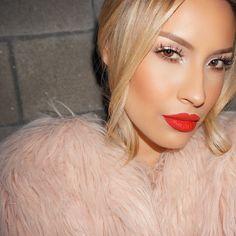 Love this beautiful makeup look by Desi Perkins.