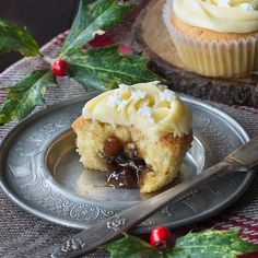 Mince Pie Cupcake recipe: Almond cupcakes with a festive mincemeat centre and topped with brandy buttercream. Easy Christmas Dinner, Christmas Cooking, Christmas Desserts, Christmas Recipes, Christmas Cakes, Christmas Treats, Xmas Cakes, Christmas Foods, Christmas Stuff