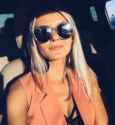 Bom dia Terça linda!! @maridalla divou com seu @Dior sideral espelhado. Quem gostou? #blogger #bomdia #fashion #ootd #inspiration