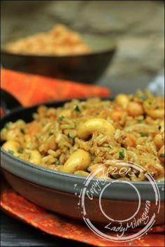 riz végétarien épicé pois chiches noix de cajou oignons grillés