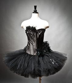 Google Image Result for http://thenewlyengaged.files.wordpress.com/2011/10/black-swan-costume_similar.jpg%3Fw%3D640