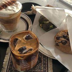 Good Food, Yummy Food, Snack Recipes, Snacks, Cafe Food, Aesthetic Food, Aesthetic Coffee, Food Cravings, Food Inspiration