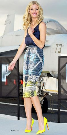 Love the Peter Pilotto skirt...