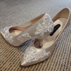 Bridal Wedding Shoes Soft White or Ivory Satin Elegant Classical Style Court Shoe Beaded Lace embroidery  High Heel