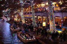 Christmas Festival of Lights on the San Antonio River Walk San Antonio Apartments, Great Places, Places To Go, Where The Sidewalk Ends, Christmas Lights Wallpaper, San Antonio Riverwalk, Apartment Hunting, River Walk, Dream Apartment