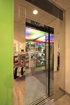 Artisan Commercial Elevator