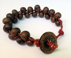 This bracelet reminds me of chocolate mixed with raspberry! Looks good enough to eat! Easy and beautiful jewellery that fits well with any style,