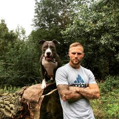 Kontra K Mans Best Friend, Best Friends, German Men, Trash Polka Tattoo, K Wallpaper, Baby Dogs, Book Characters, Good Looking Men, Sexy Men
